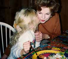 File:Taylor Swift and her Grandma.jpg