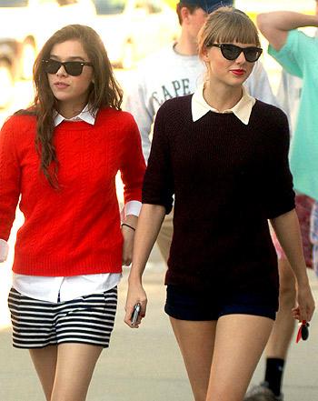 File:Taylor Swift and Hailee Steinfeld.jpg