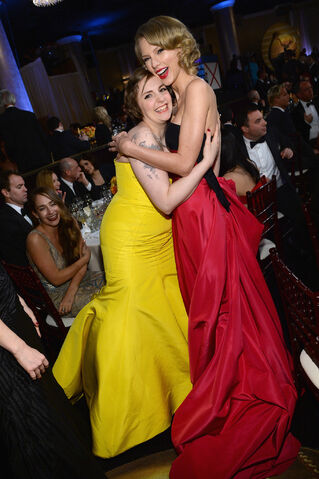 File:Taylor-Swift-Lena-Dunham-had-girls-moment-during-Globes.jpg