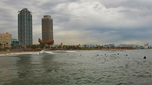 File:Barceloneta Surf.jpg