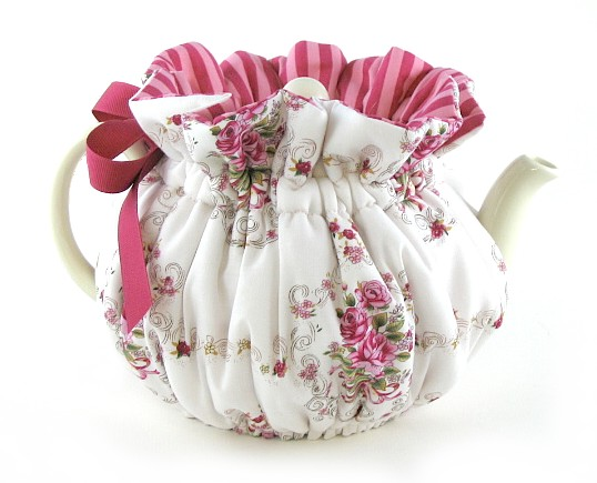 File:French rose tea cozy-2.jpg