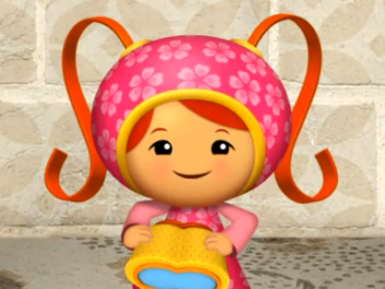 File:Milli with umi goggles.png