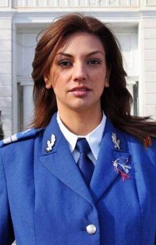 File:Army-hottie2-romania.jpg