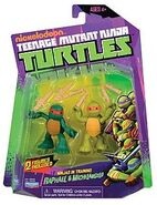 TMNT 2012 Ninjas in Training Raphael and Michelangelo (2013 Action Figure)