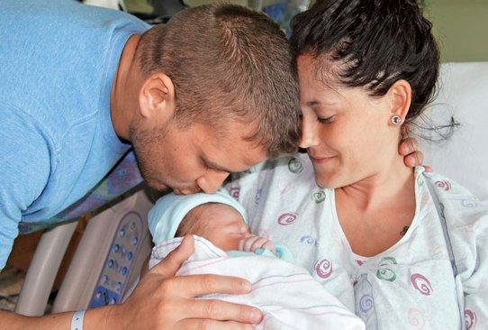 File:Jenelle, Nathan & Kaiser.jpeg