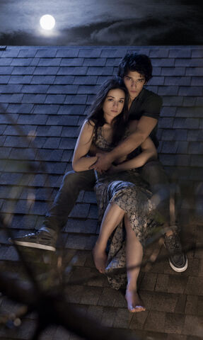 File:Scott mccall and allison argent (tyler posey and crystal reed).jpeg