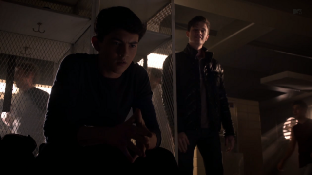 File:Teen Wolf Season 3 Episode 8 Visionary Ian Nelson Michael Fjordbak Young Peter Young Derek locker room.png
