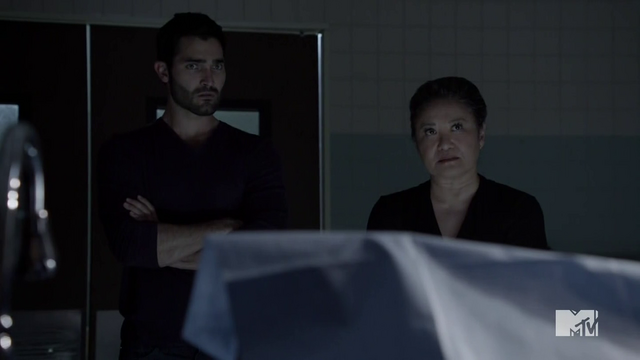 Datei:Teen Wolf Season 4 Episode 7 Weaponized Derek and Satomi.png