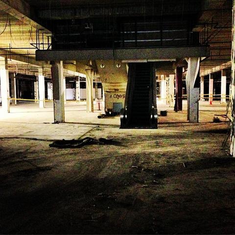 File:Teen Wolf Wikia Season 3 Behind the Scenes Abandoned Escalator.png