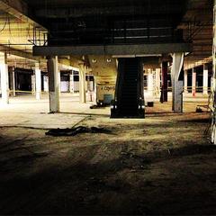 un éscalator dans un sous sol?