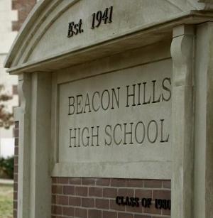 Datei:Beacon Hills High School.jpg