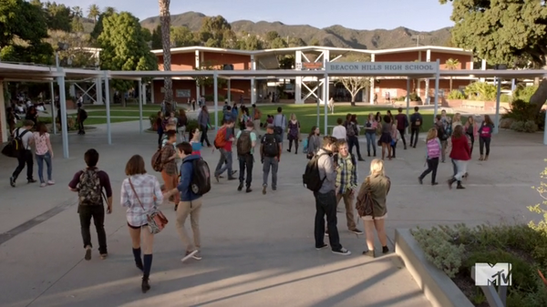 Teen Wolf Season 5 Episode 3 Parasomnia Beacon Hills High School Exterior