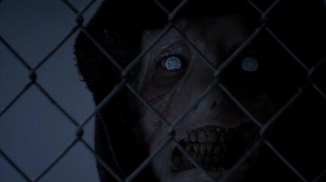 Archivo:Teen Wolf Season 3 Episode 9 The Girl Who Knew Too Much Darach White Eyes.jpg