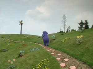 Tinky Winky Walks