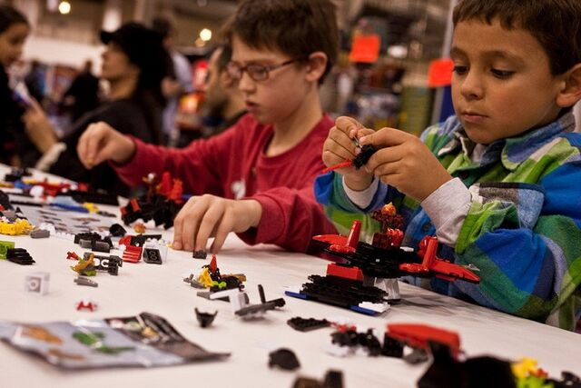 File:Children participating in the Ionix Shapeshift Challenge at ChiTAG Fair 2013.jpg