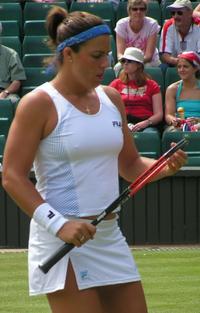 Jennifer-Capriati-Wimbledon2004