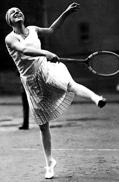 File:Suzanne-Lenglen-WeirdPrancing.png