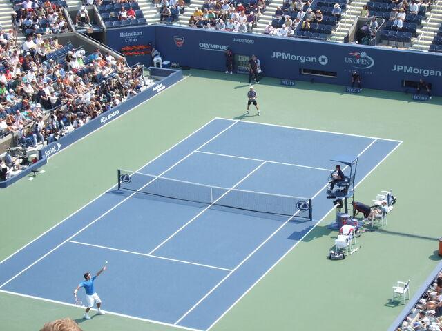 File:Federer vs Davidenko US Open 2006 semis.JPG