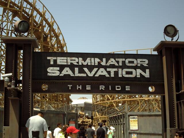 File:Terminatorsalvationsign ryanshrout.jpg