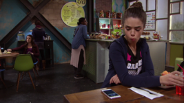 Ct Piper reads the text message from Skylar