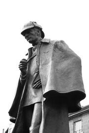 400px-Statue of Sherlock Holmes in Edinburgh