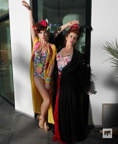 File:Maribel and Penelope in Monaco.jpeg