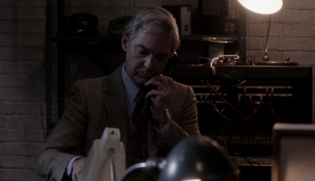 File:The americans-call center-george 03.png