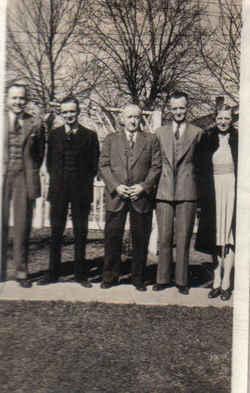 File:George Taylor Beard family.jpg