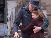 The-book-thief-geoffrey-rush-sophie-nelisse