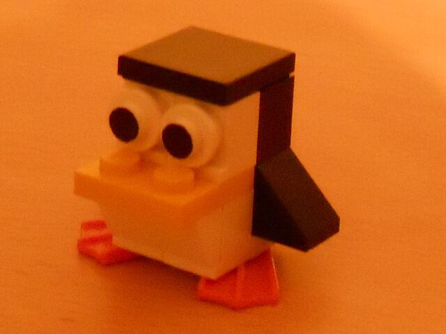 File:Crazed penguin 2.jpg