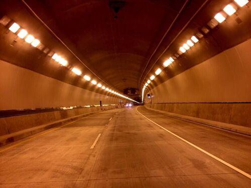 Ctuan caldecott tunnel