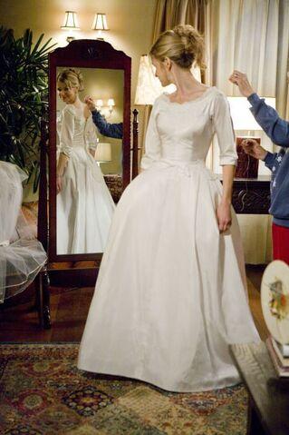 File:Wedding Dress.jpg
