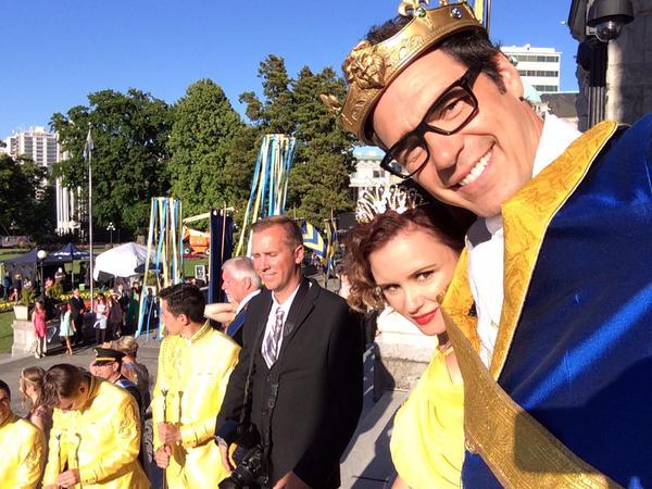 File:King Beast and Queen Belle 2.jpg