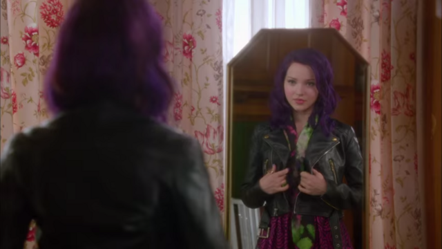 File:If Only-Dove Cameron55.png