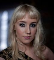 Lily Loveless (tvs - The Fades) - Anna