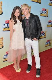 File:Maia Mitchell and Ross Lynch.jpg
