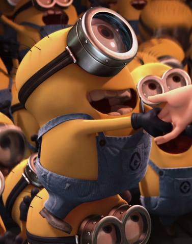 File:Kevin (Despicable Me).png