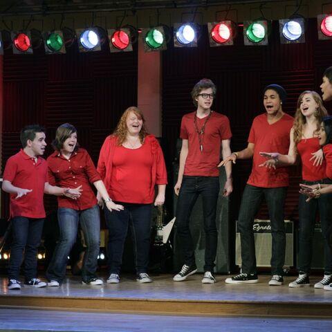 File:Gleeproject12.jpg