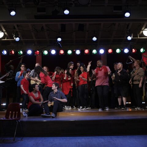 File:Gleeproject11.jpg
