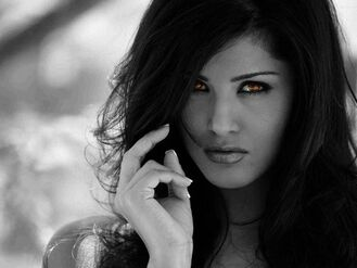 Ignacia Crimson