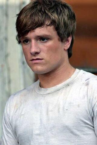 File:Peeta at the bakery.jpg