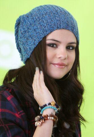 File:Selenaafgagagag.jpg