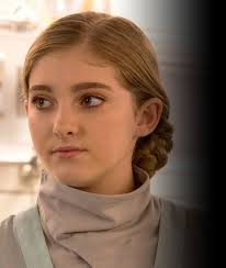 File:Primrose in mockingjay part 1.jpg
