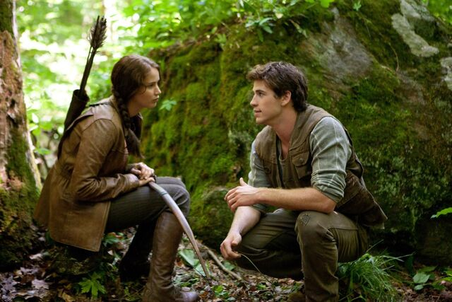 File:Katniss and Gale.jpg