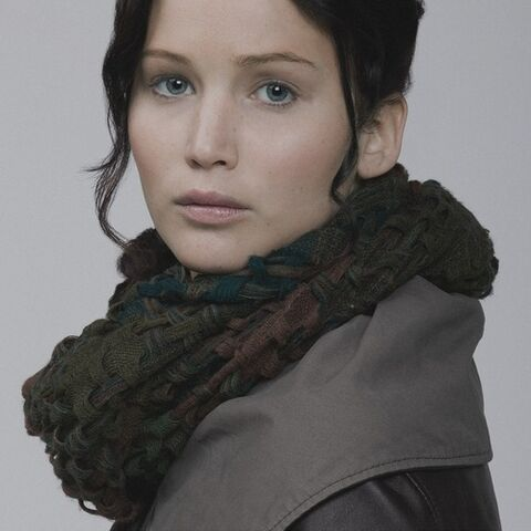 File:Katniss capitolcouture3.jpg
