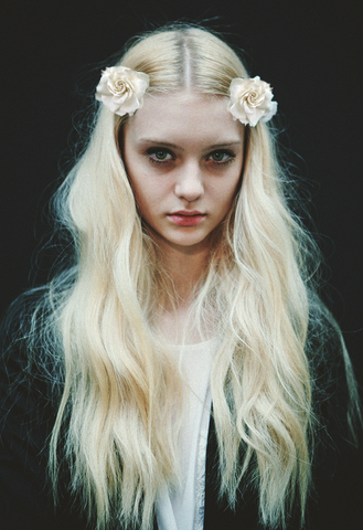 File:Long-pale-blonde-hair.png
