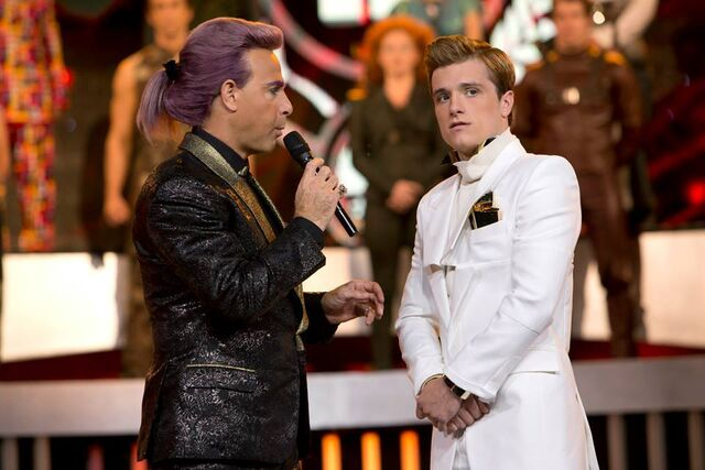 File:Caesar-peeta-catching-fire interview.jpg