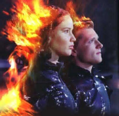 File:Peeta-and-Katniss-peeta-mellark-and-katniss-everdeen-30370132-500-484.jpg