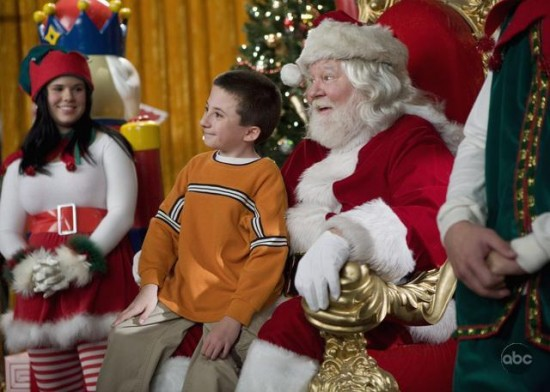 File:THE-MIDDLE-Christmas-3-550x392.jpg