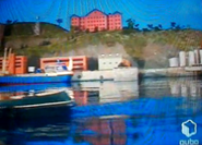 Bluefacelessboatdifferentstrokes